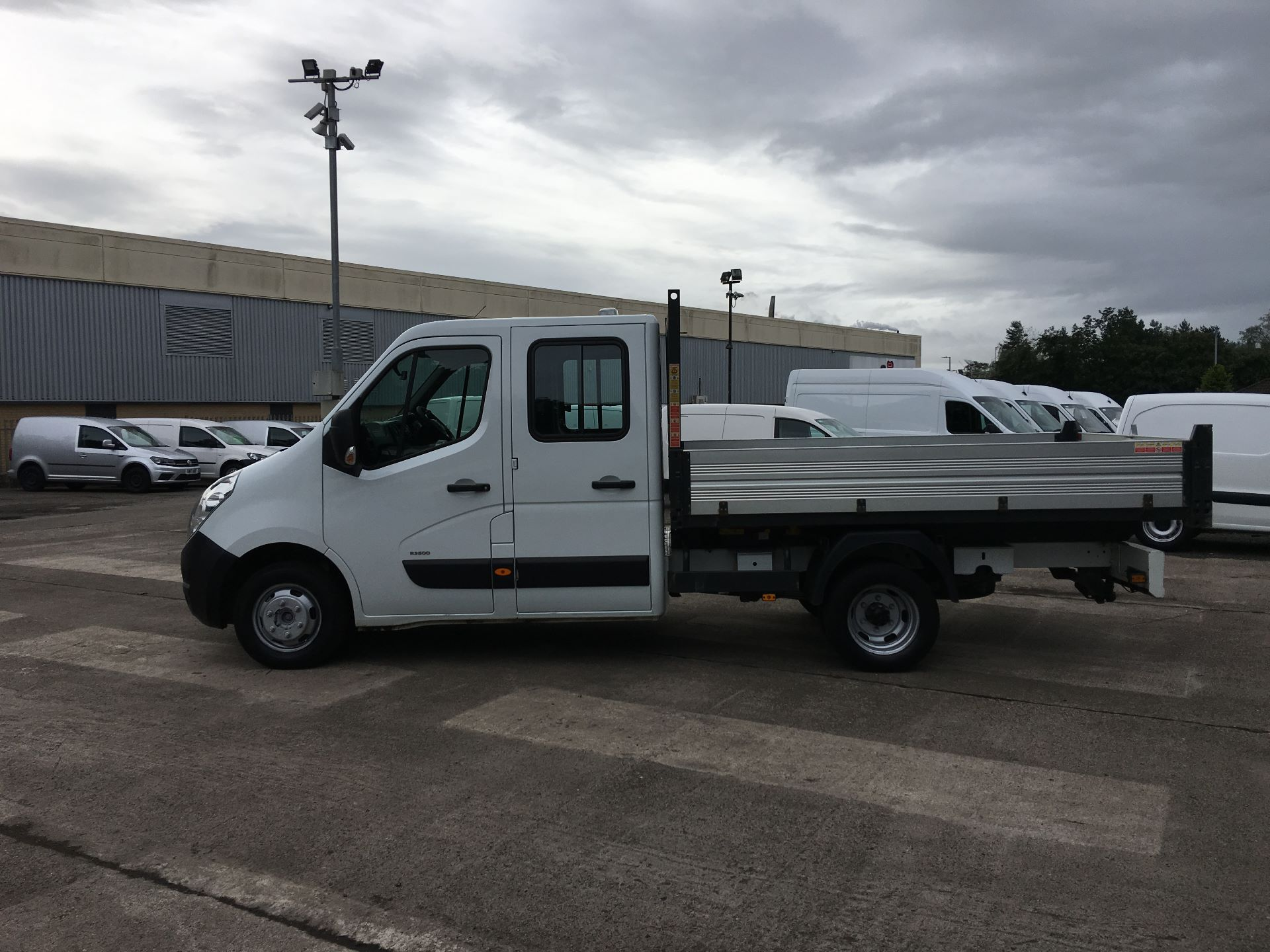2016 Vauxhall Movano 35 L3 DIESEL RWD 2.3 CDTI 125PS D/CAB TIPPER EURO 5 (YT16WLR) Image 11
