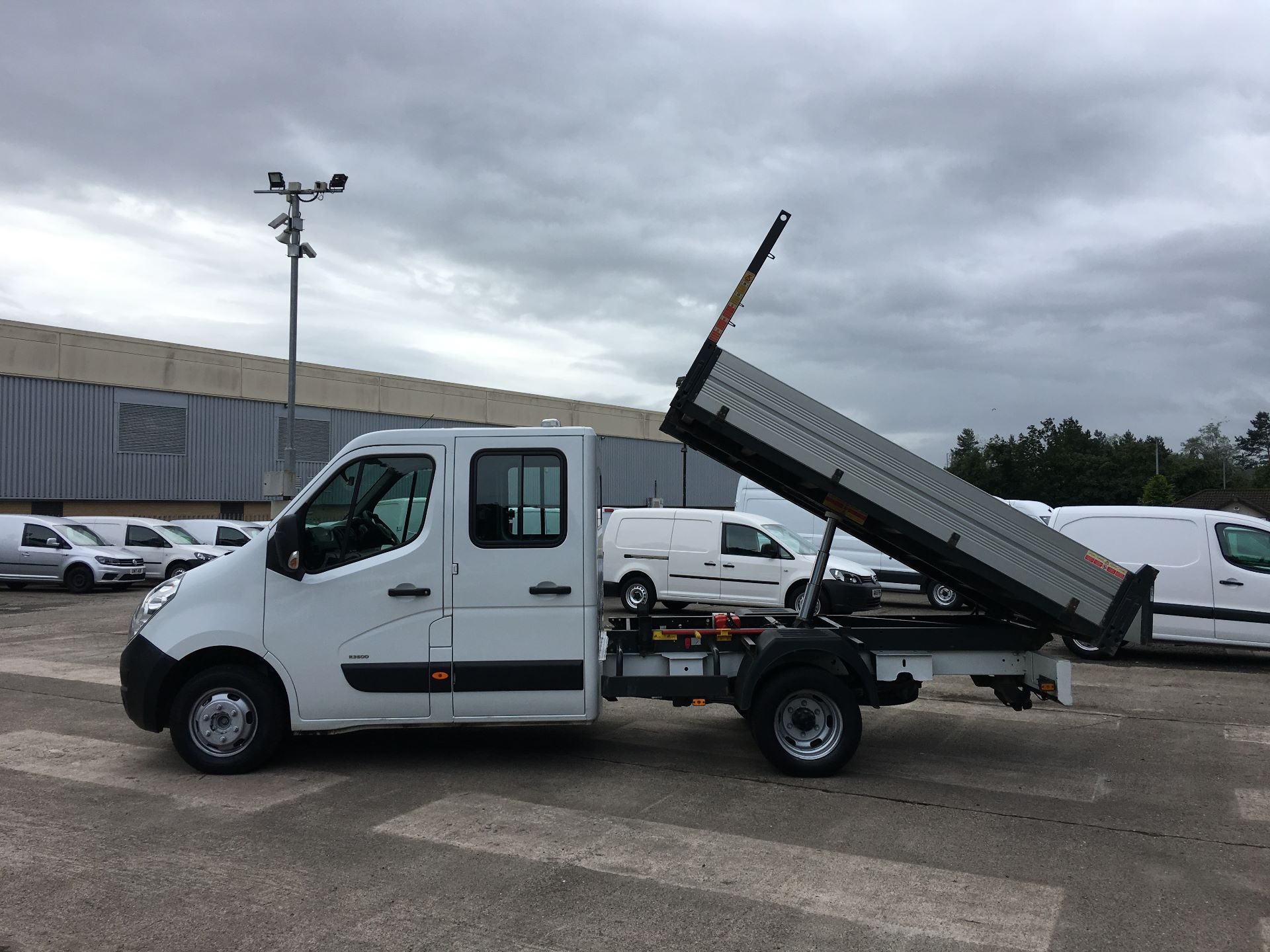 2016 Vauxhall Movano 35 L3 DIESEL RWD 2.3 CDTI 125PS D/CAB TIPPER EURO 5 (YT16WLR) Image 17