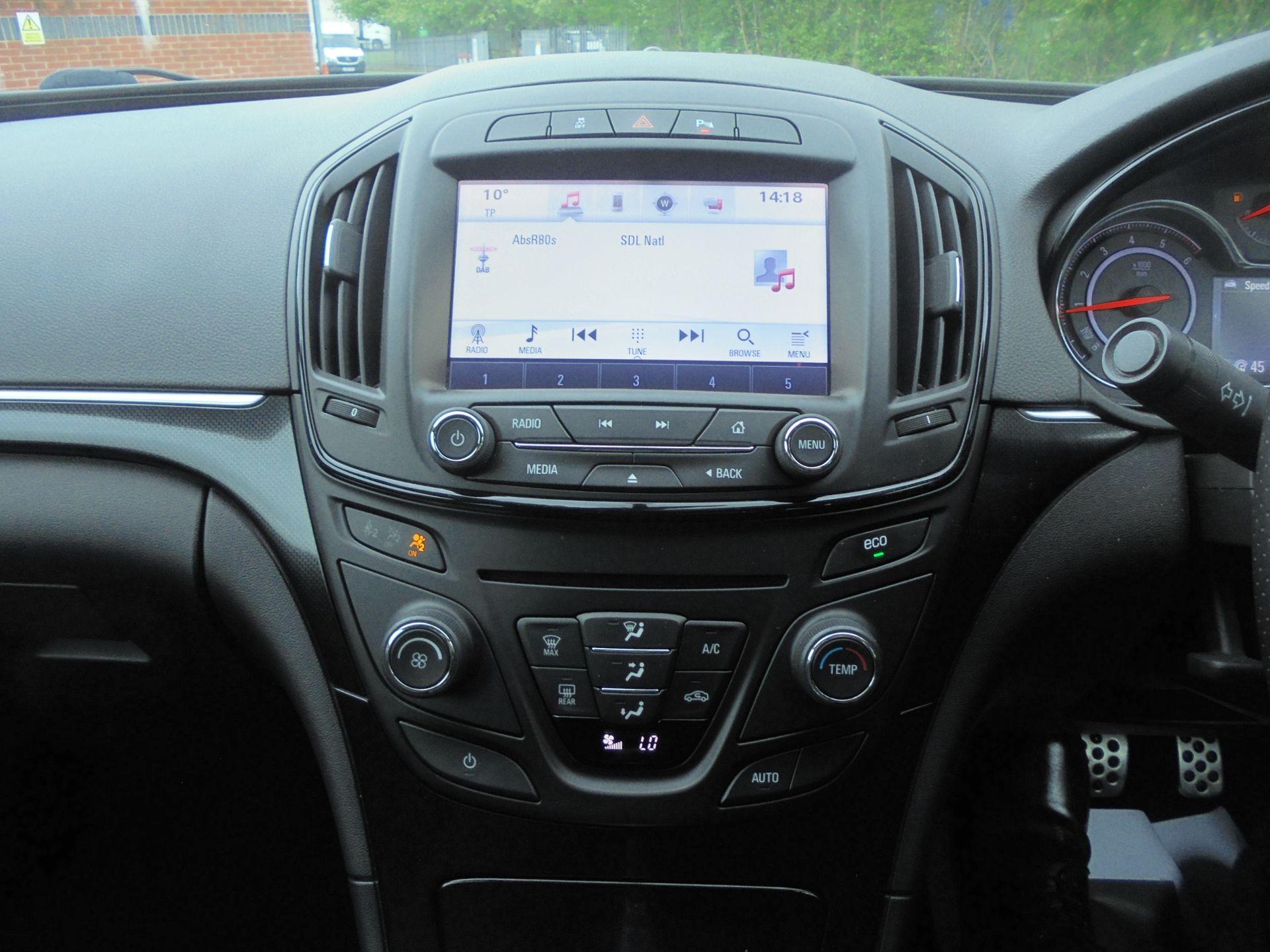 2016 Vauxhall Insignia 1.6 Cdti Sri Nav 5Dr [Start Stop] (YT16YJX) Image 14