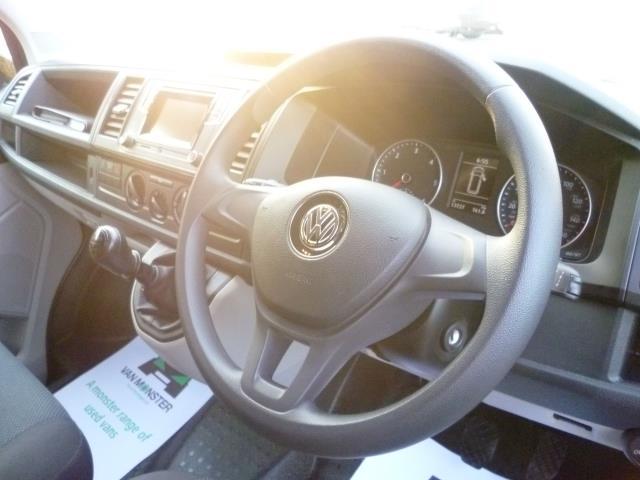 2017 Volkswagen Transporter 2.0 Tdi Bmt 102 Trendline Van EURO 6 (YT67XYU) Image 20