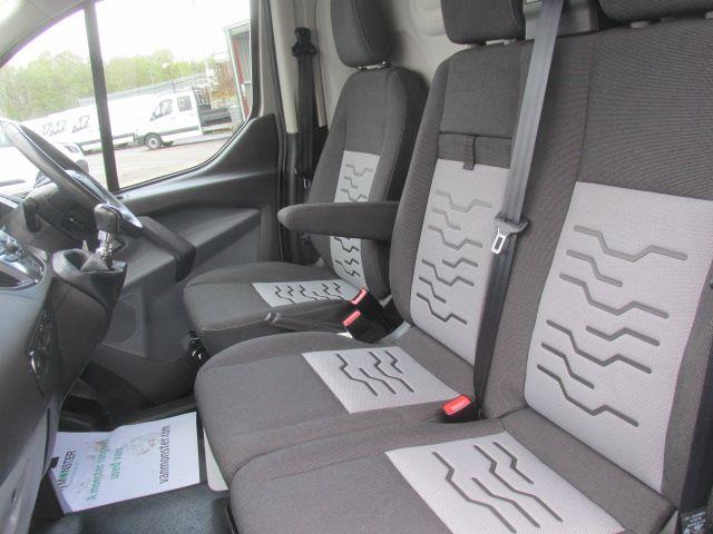 2015 Ford Transit Custom 290 L1 H1 2.2 Tdci 125Ps Limited Van (YX65XHG) Image 21