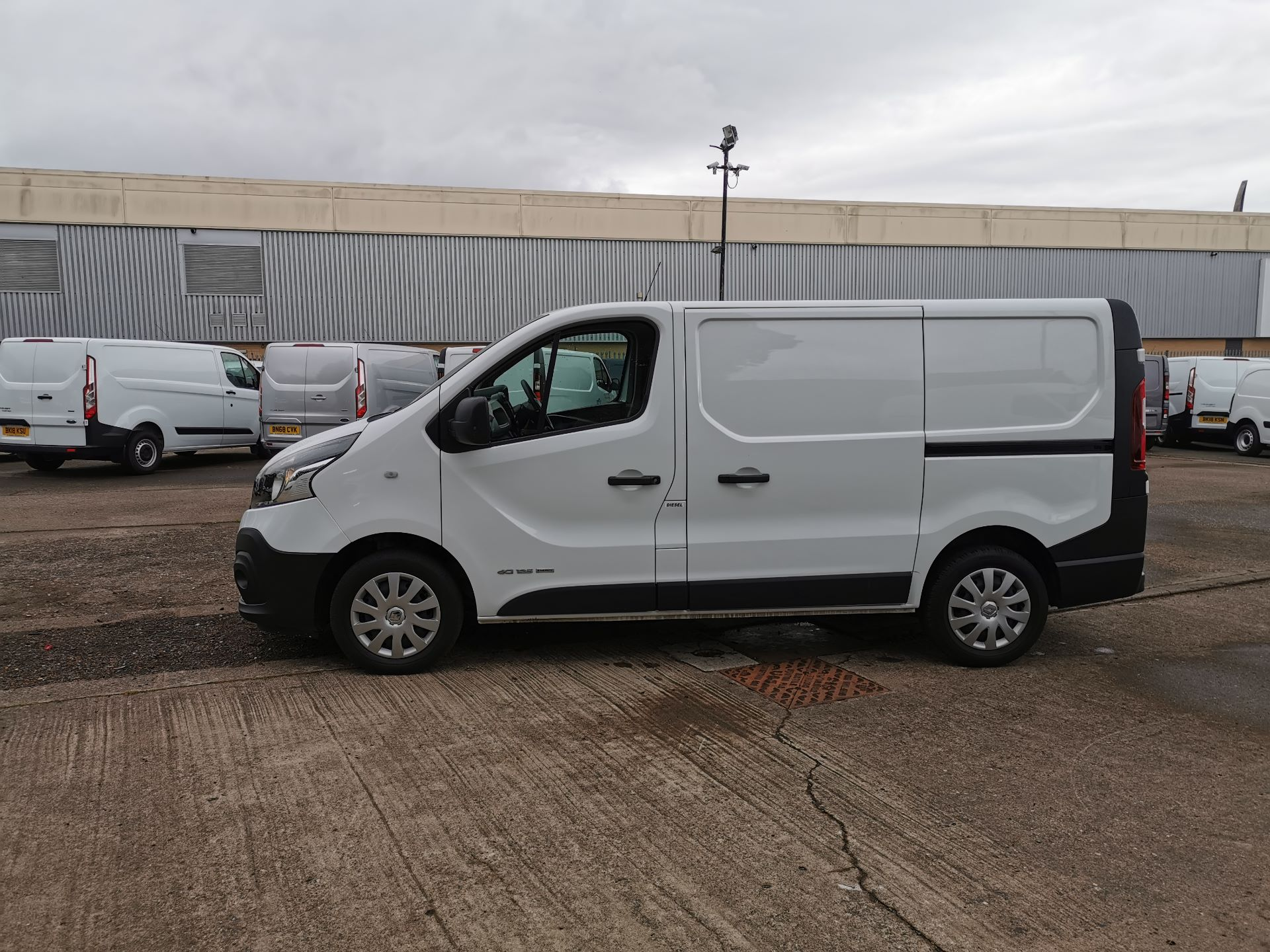 2018 Renault Trafic SL27 1.6 ENERGY DCI 125PS BUSINESS EURO 6 (YY18GJF) Thumbnail 12