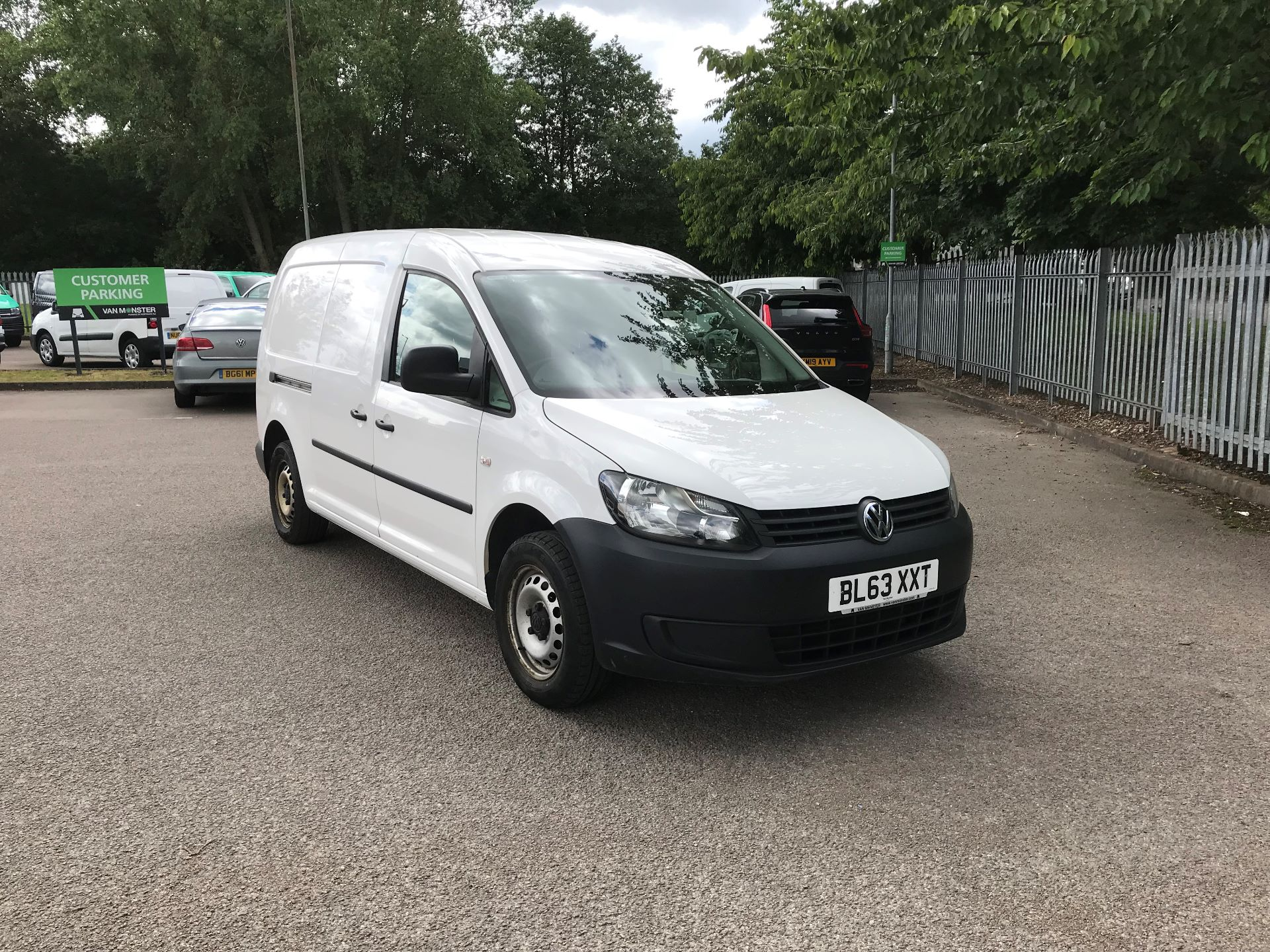 2014 Volkswagen Caddy Maxi 1.6 Tdi Bluemotion Tech 102Ps Startline Van (BL63XXT) Image 1