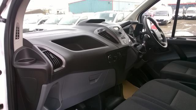 2017 Ford Transit Custom 290 L1 DIESEL FWD 2.0 TDCI 105PS LOW ROOF VAN EURO 6 (BN17PPO) Image 6
