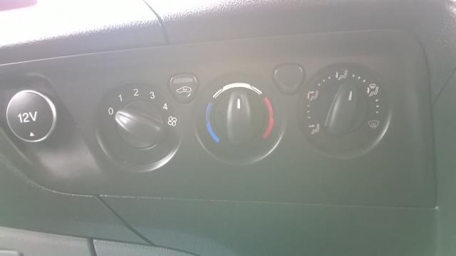 2017 Ford Transit Custom 290 L1 DIESEL FWD 2.0 TDCI 105PS LOW ROOF VAN EURO 6 (BN17PPO) Image 22