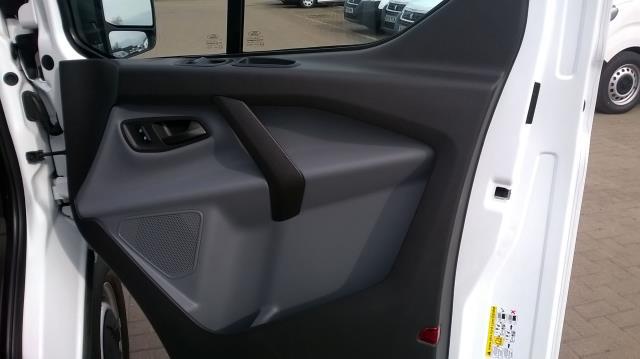 2017 Ford Transit Custom 290 L1 DIESEL FWD 2.0 TDCI 105PS LOW ROOF VAN EURO 6 (BN17PPO) Image 15