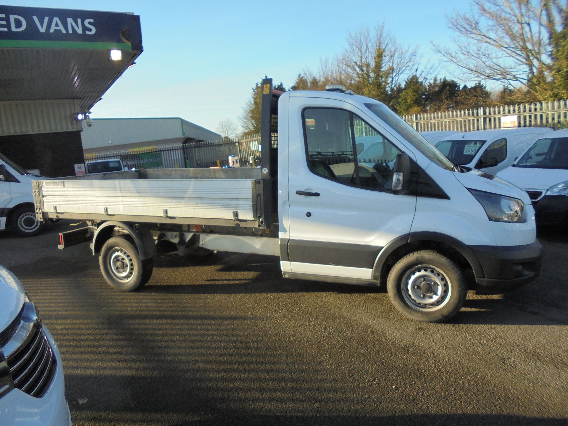 2018 Ford Transit 350 L2 SINGLE CAB TIPPER 130PS EURO 6 (BN18NJU) Image 3