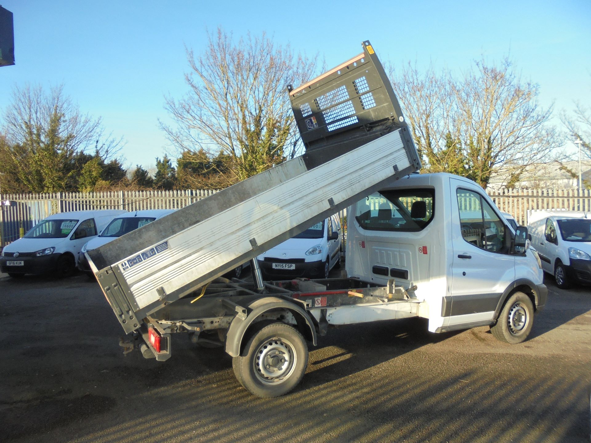 2018 Ford Transit 350 L2 SINGLE CAB TIPPER 130PS EURO 6 (BN18NJU) Image 20