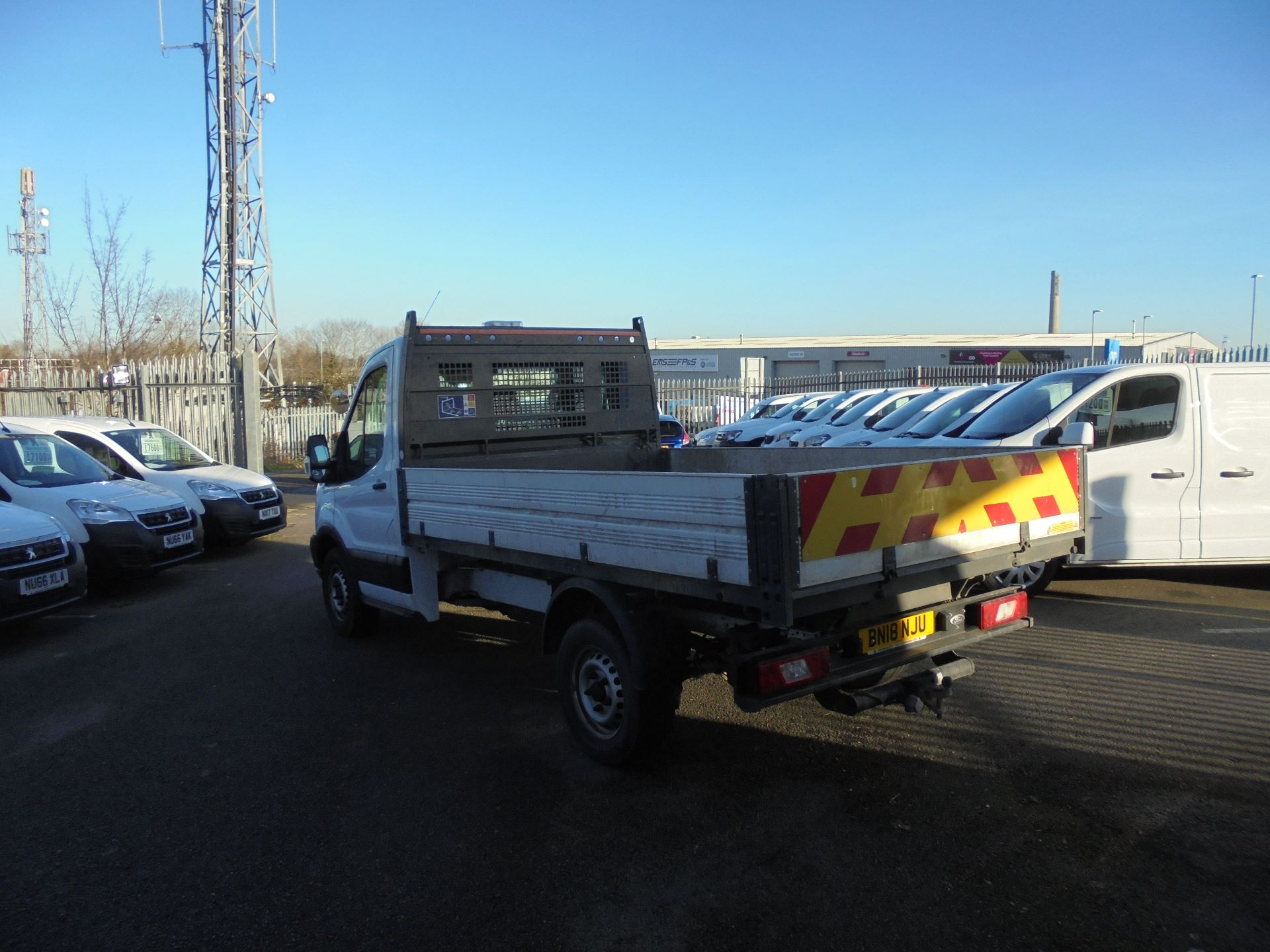 2018 Ford Transit 350 L2 SINGLE CAB TIPPER 130PS EURO 6 (BN18NJU) Image 7