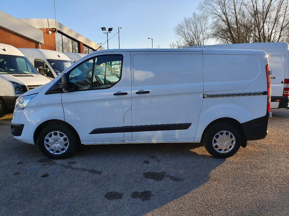 2016 Ford Transit Custom 2.0 Tdci 130Ps Low Roof Trend Van (DL66HCF) Image 13