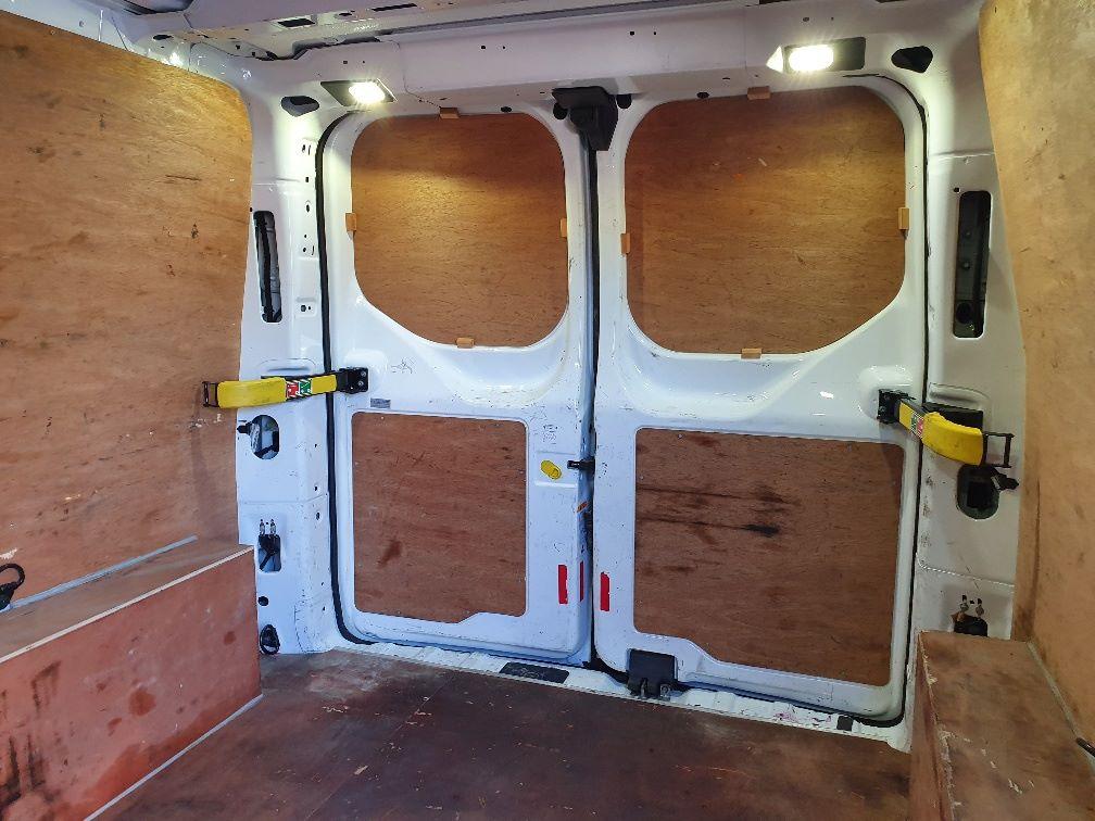 2016 Ford Transit Custom 2.0 Tdci 130Ps Low Roof Trend Van (DL66HCF) Image 15