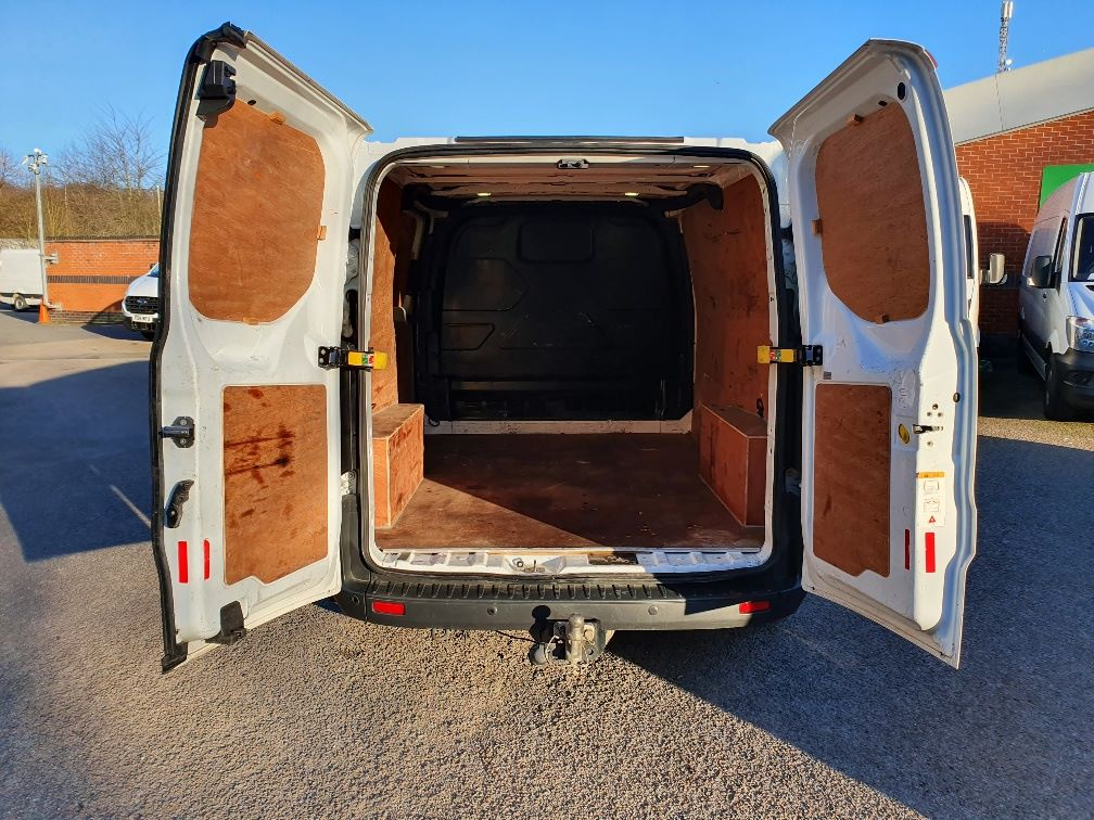2016 Ford Transit Custom 2.0 Tdci 130Ps Low Roof Trend Van (DL66HCF) Image 11