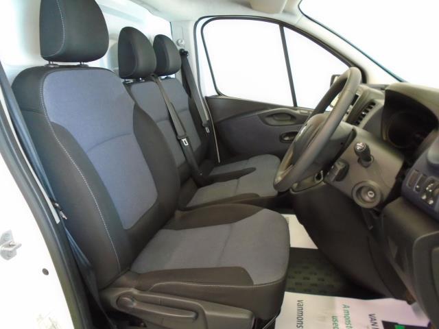 2017 Vauxhall Vivaro  L2 H1 2900 1.6CDTi 120PS  (DU17UYH) Image 6