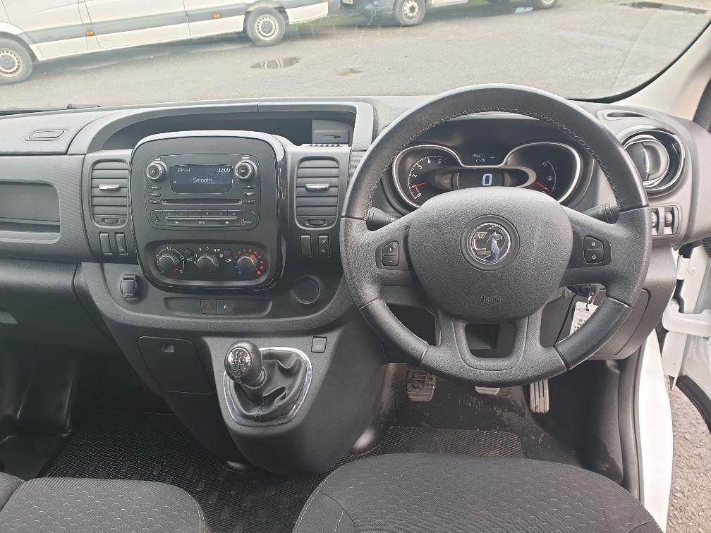 2018 Vauxhall Vivaro L2 H1 2900 1.6 120PS SPORTIVE EURO 6 (DU18WTR) Image 17