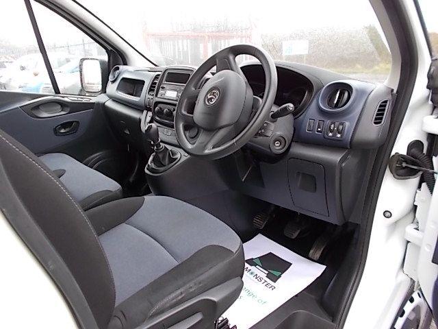 2015 Vauxhall Vivaro  L2 H1 2900 1.6 115PS EURO 5 (DY65YJL) Image 14