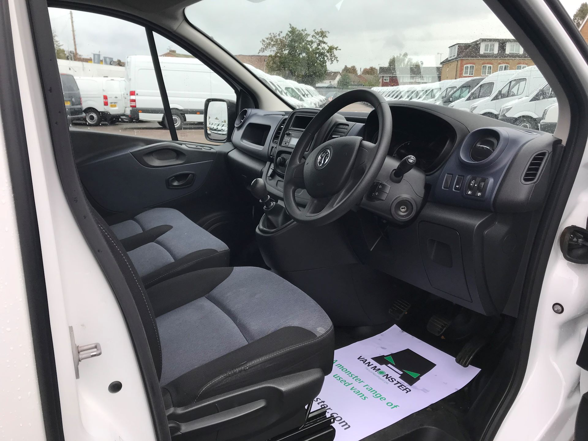 2017 Vauxhall Vivaro  L2 H1 2900 1.6 CDTI 120PS EURO 6 (DY67MYM) Image 19