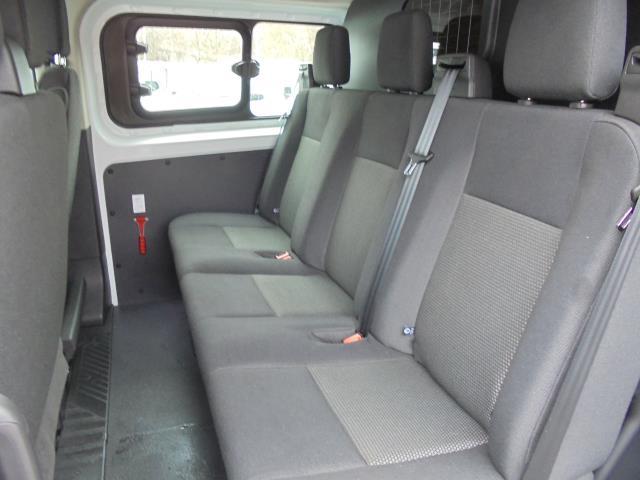 2016 Ford Transit Custom 2.0 TDCI 105Ps LOW ROOF  D/CAB VAN (FD66LZC) Image 17