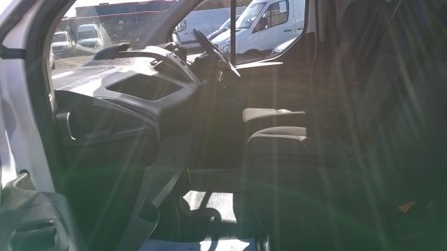 2016 Ford Transit Custom 290 L1 DIESEL FWD 2.2  TDCI 100PS LOW ROOF VAN EURO 5 (FE66CZK) Image 9