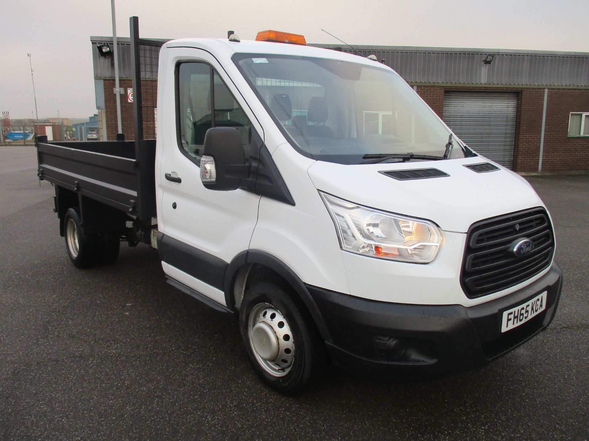 2016 Ford Transit 350 L2 SINGLE CAB TIPPER 125PS EURO 5 (FH65KCA)