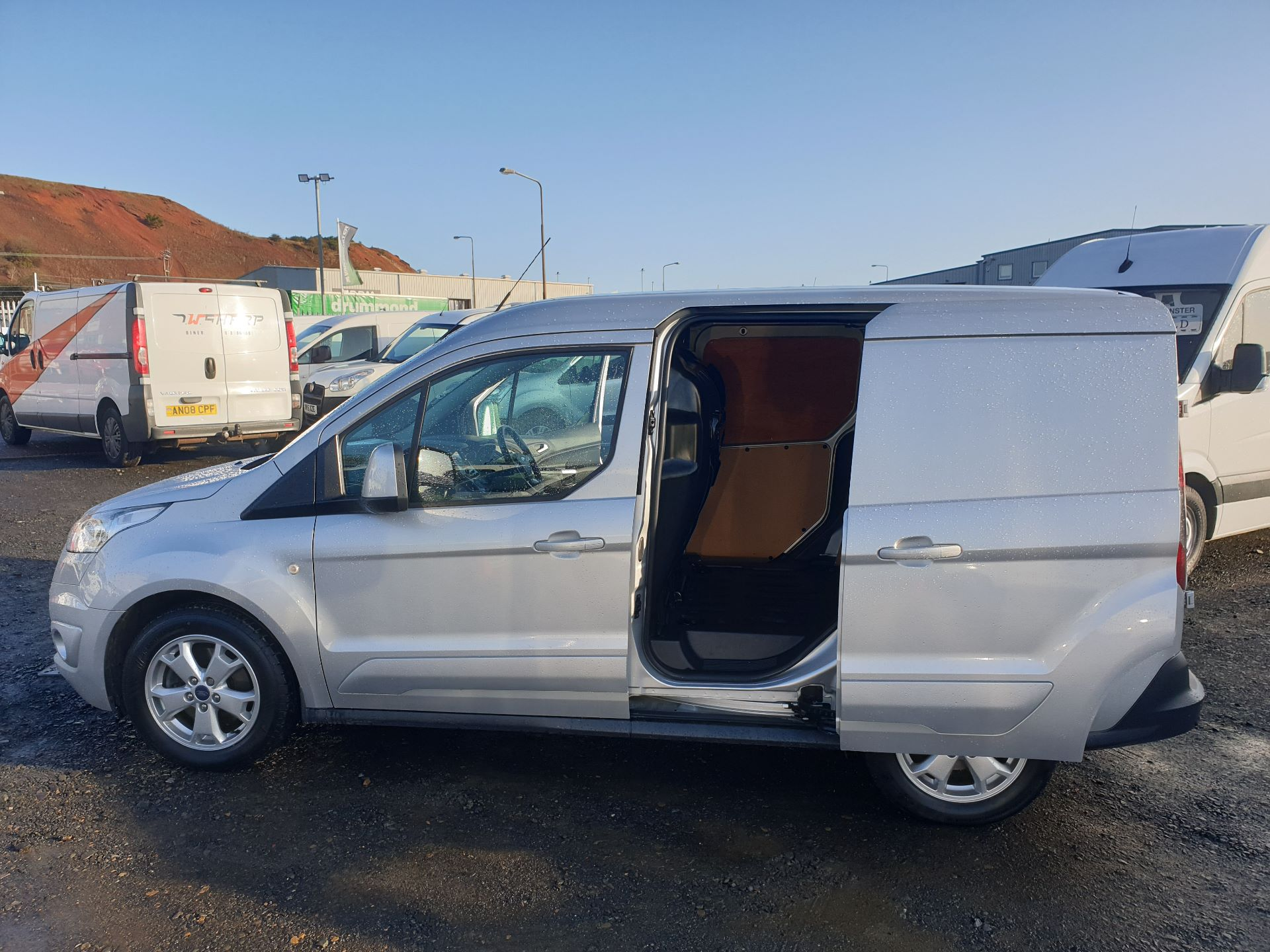 2017 Ford Transit Connect 1.5 Tdci 120Ps Limited Van (FH67OKZ) Image 21