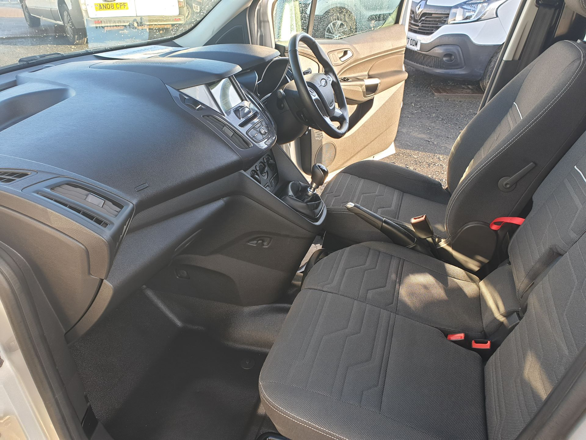 2017 Ford Transit Connect 1.5 Tdci 120Ps Limited Van (FH67OKZ) Image 17