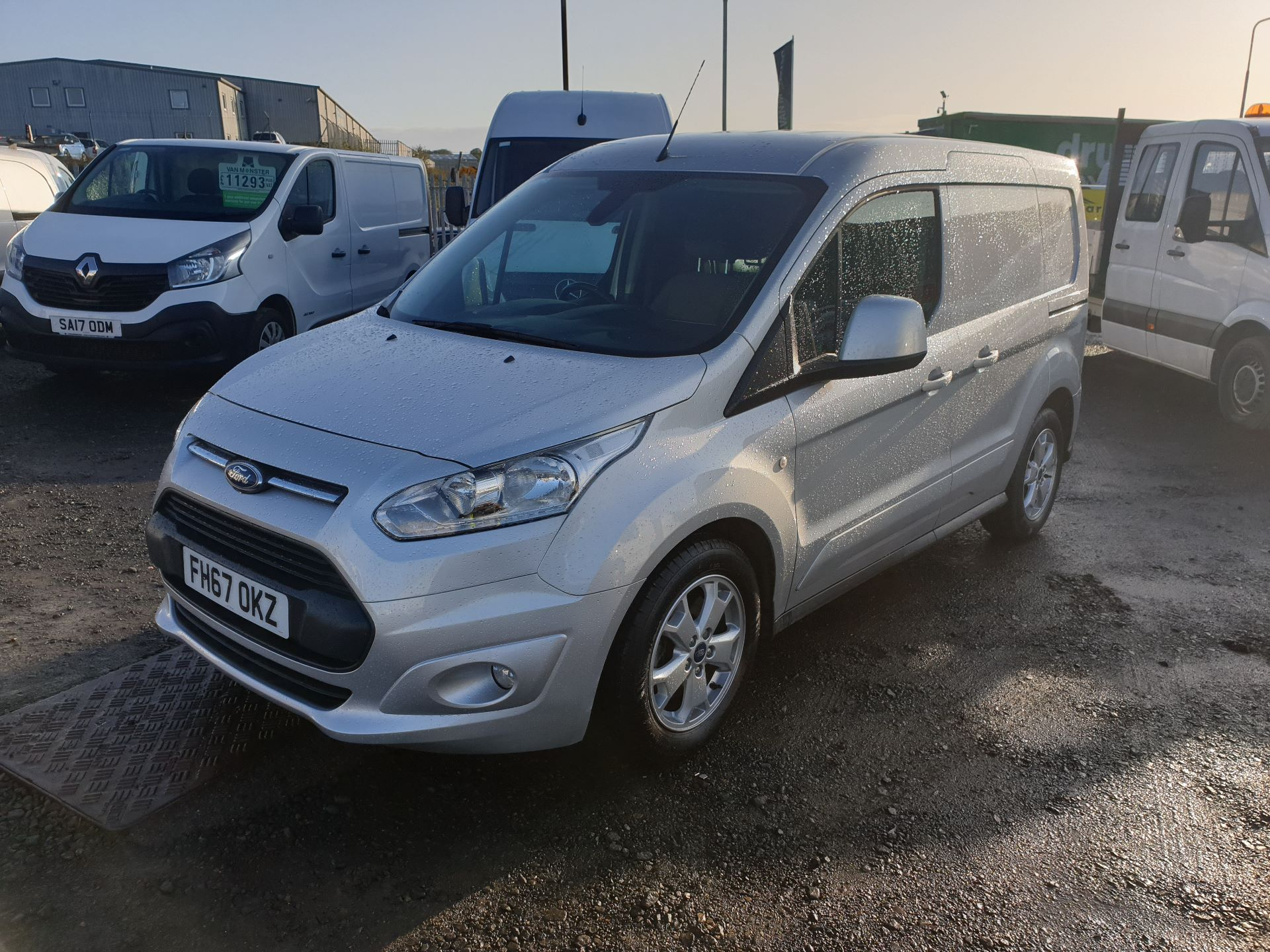 2017 Ford Transit Connect 1.5 Tdci 120Ps Limited Van (FH67OKZ) Image 3