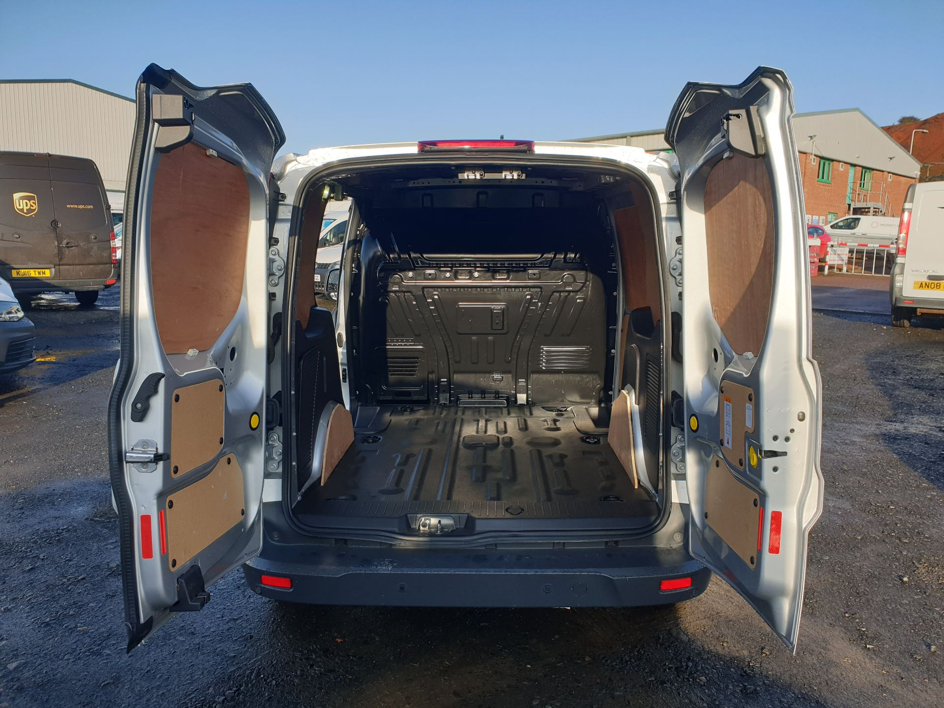 2017 Ford Transit Connect 1.5 Tdci 120Ps Limited Van (FH67OKZ) Image 24