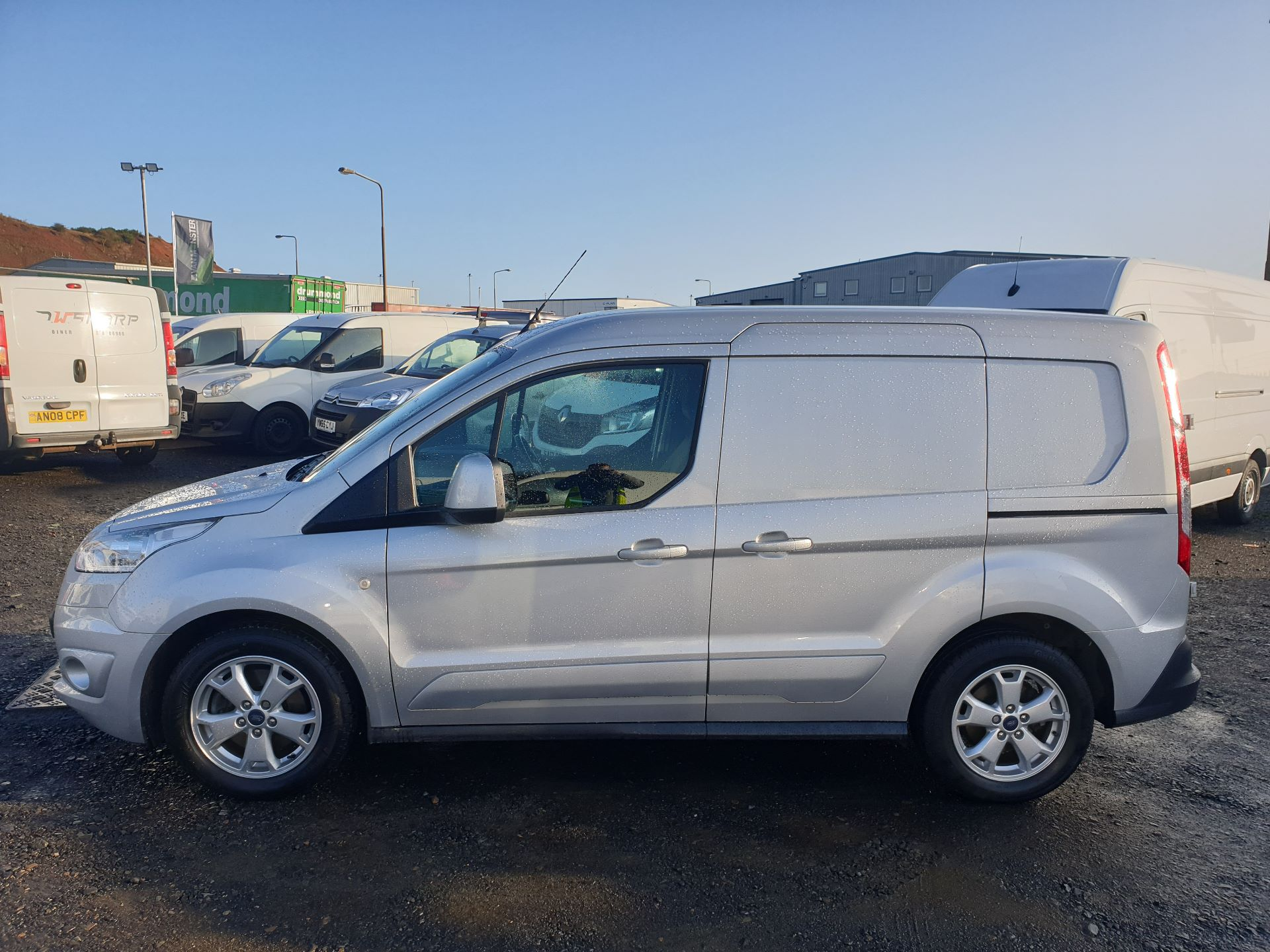 2017 Ford Transit Connect 1.5 Tdci 120Ps Limited Van (FH67OKZ) Image 4