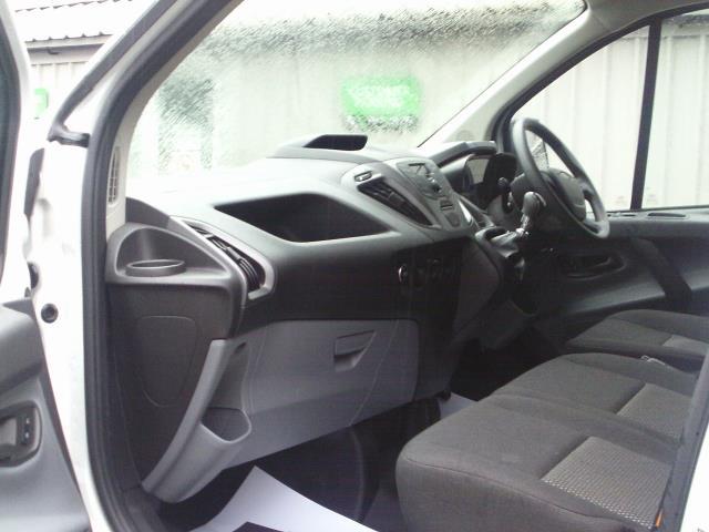 2017 Ford Transit Custom  290 L1 DIESEL FWD 2.0 TDCI 105PS LOW ROOF VAN EURO 6 (FL17VRP) Image 17
