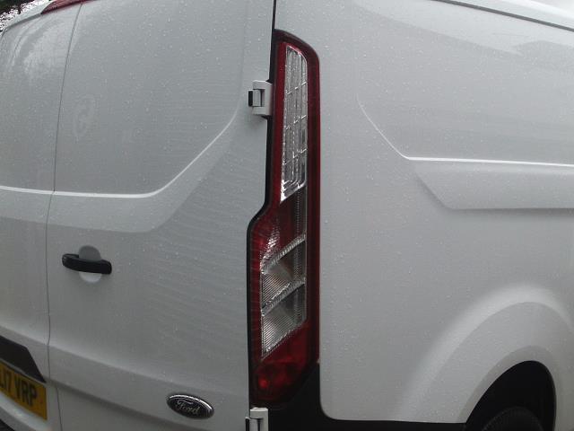 2017 Ford Transit Custom  290 L1 DIESEL FWD 2.0 TDCI 105PS LOW ROOF VAN EURO 6 (FL17VRP) Image 16