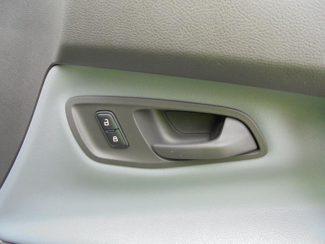 2015 Ford Transit Custom 2.2 Tdci 100Ps Low Roof Van (FL65PZE) Image 7
