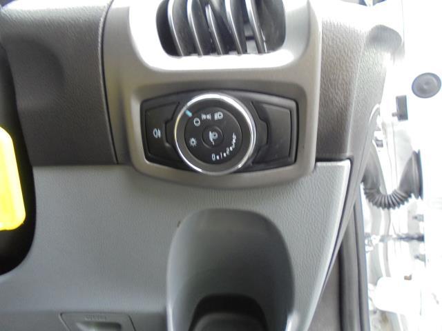 2015 Ford Transit Custom 2.2 Tdci 100Ps Low Roof Van (FL65PZE) Image 8