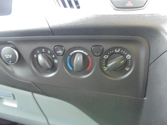 2015 Ford Transit Custom 2.2 Tdci 100Ps Low Roof Van (FL65PZE) Image 12