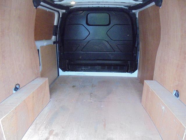 2015 Ford Transit Custom 2.2 Tdci 100Ps Low Roof Van (FL65PZE) Image 16