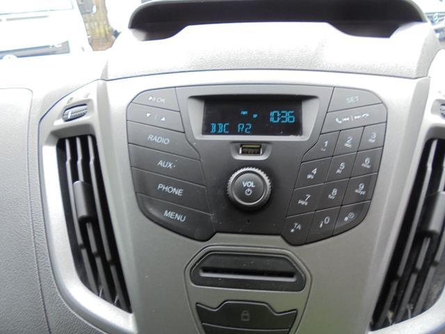 2015 Ford Transit Custom 2.2 Tdci 100Ps Low Roof Van (FL65PZE) Image 11