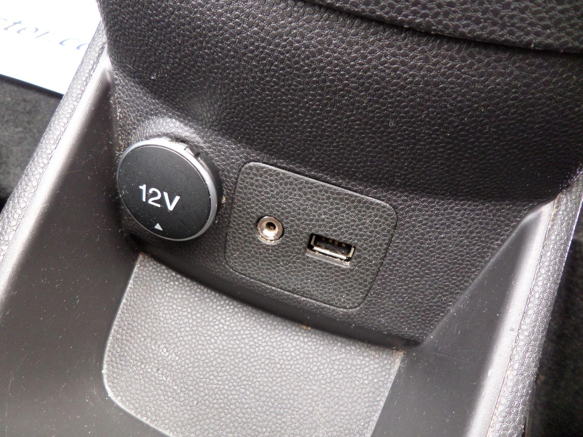 2015 Ford Fiesta  DIESEL 1.5 TDCI VAN EURO 5/6 (FL65SGX) Image 19