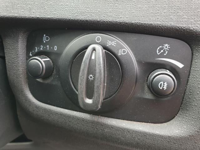 2015 Ford Fiesta DIESEL 1.5 TDCI VAN EURO 6 (FL65SYT) Image 17