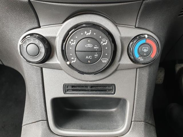 2015 Ford Fiesta DIESEL 1.5 TDCI VAN EURO 6 (FL65SYT) Image 21