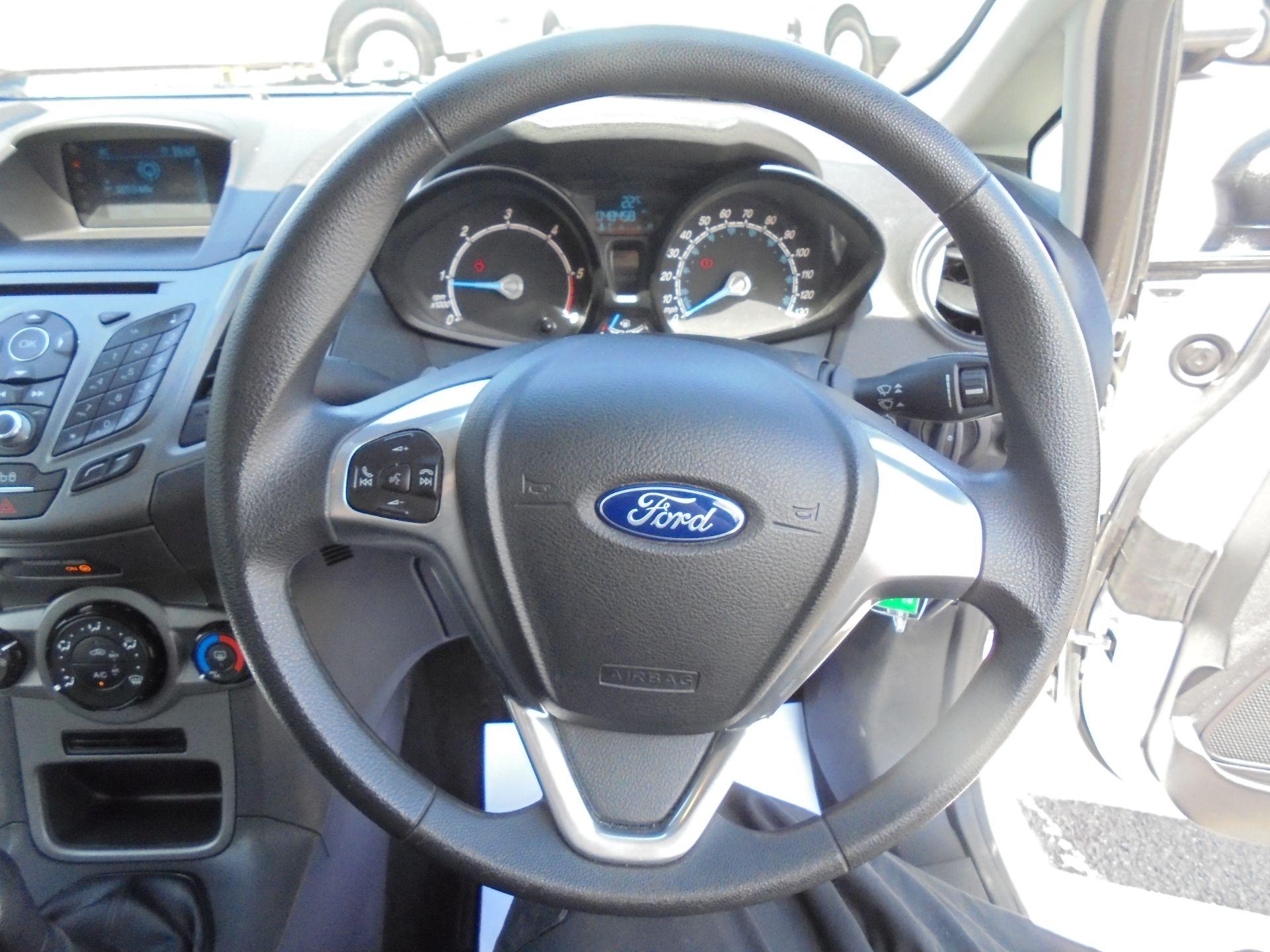 2016 Ford Fiesta 1.5 Tdci Van (FN16USU) Image 12