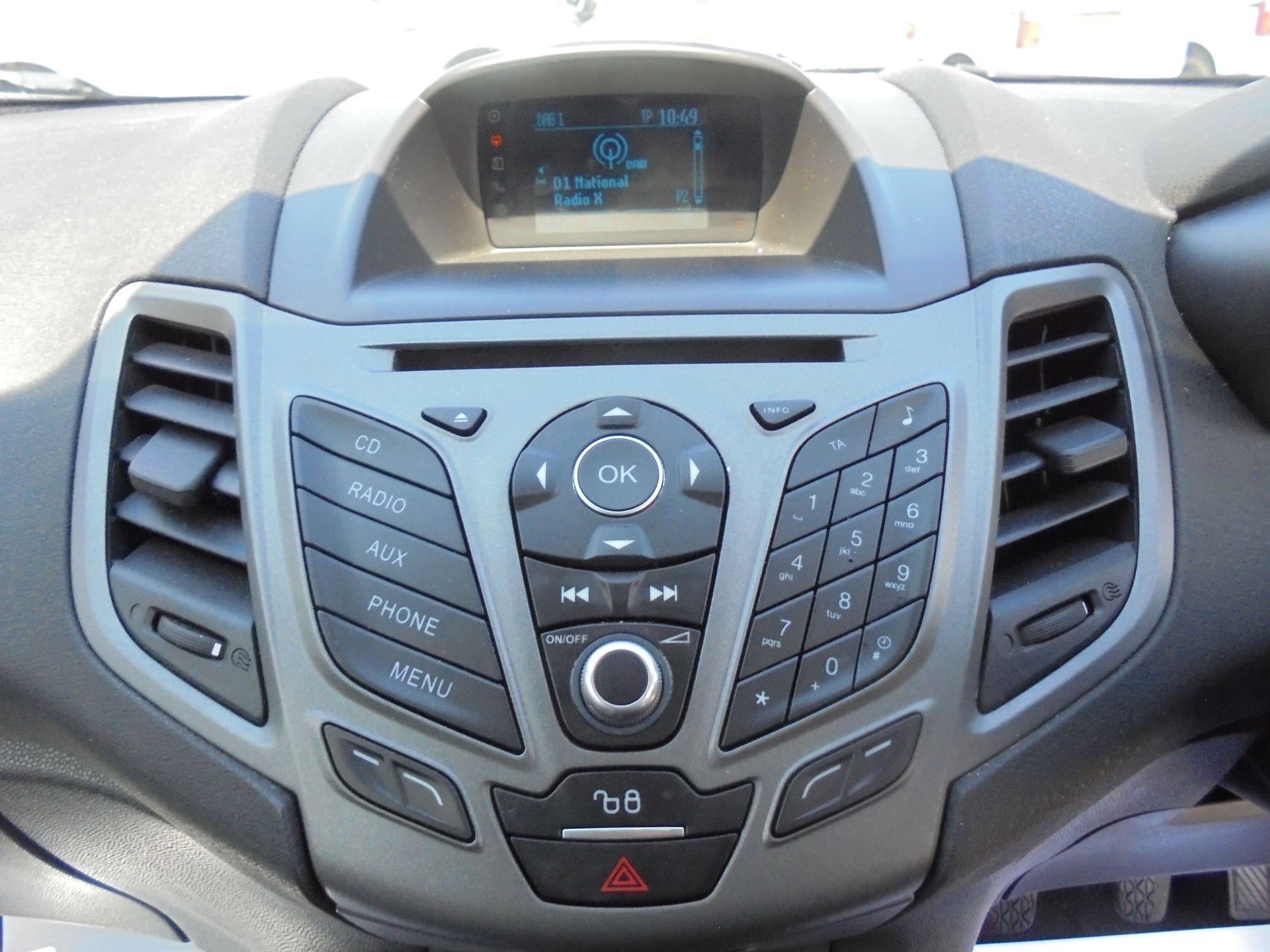 2016 Ford Fiesta 1.5 Tdci Van (FN16USU) Image 13