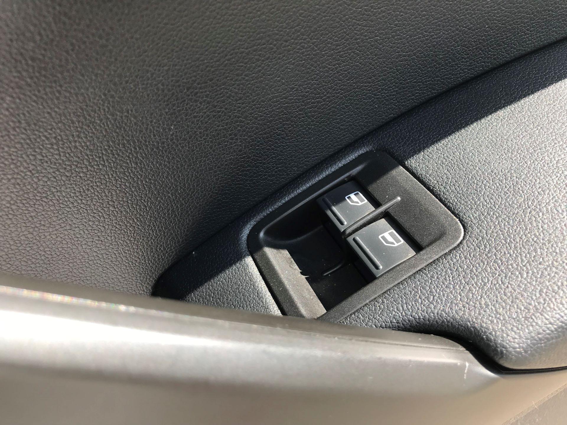 2016 Volkswagen Caddy 2.0 Tdi Bluemotion Tech 102Ps Startline Van euro 5 (GC16TYT) Image 18