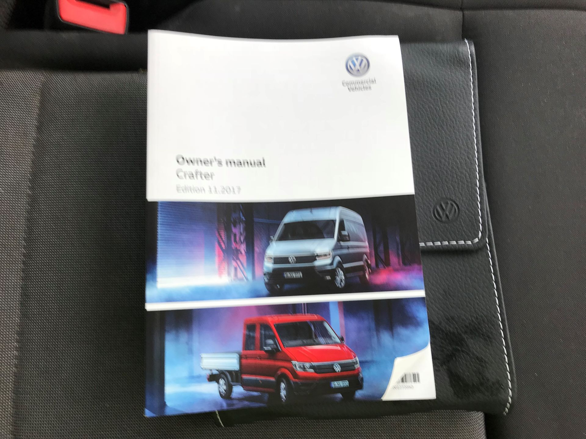 2018 Volkswagen Crafter 2.0 TDI 140PS STARTLINE HIGH ROOF VAN EURO 6 (GC18KHD) Image 23
