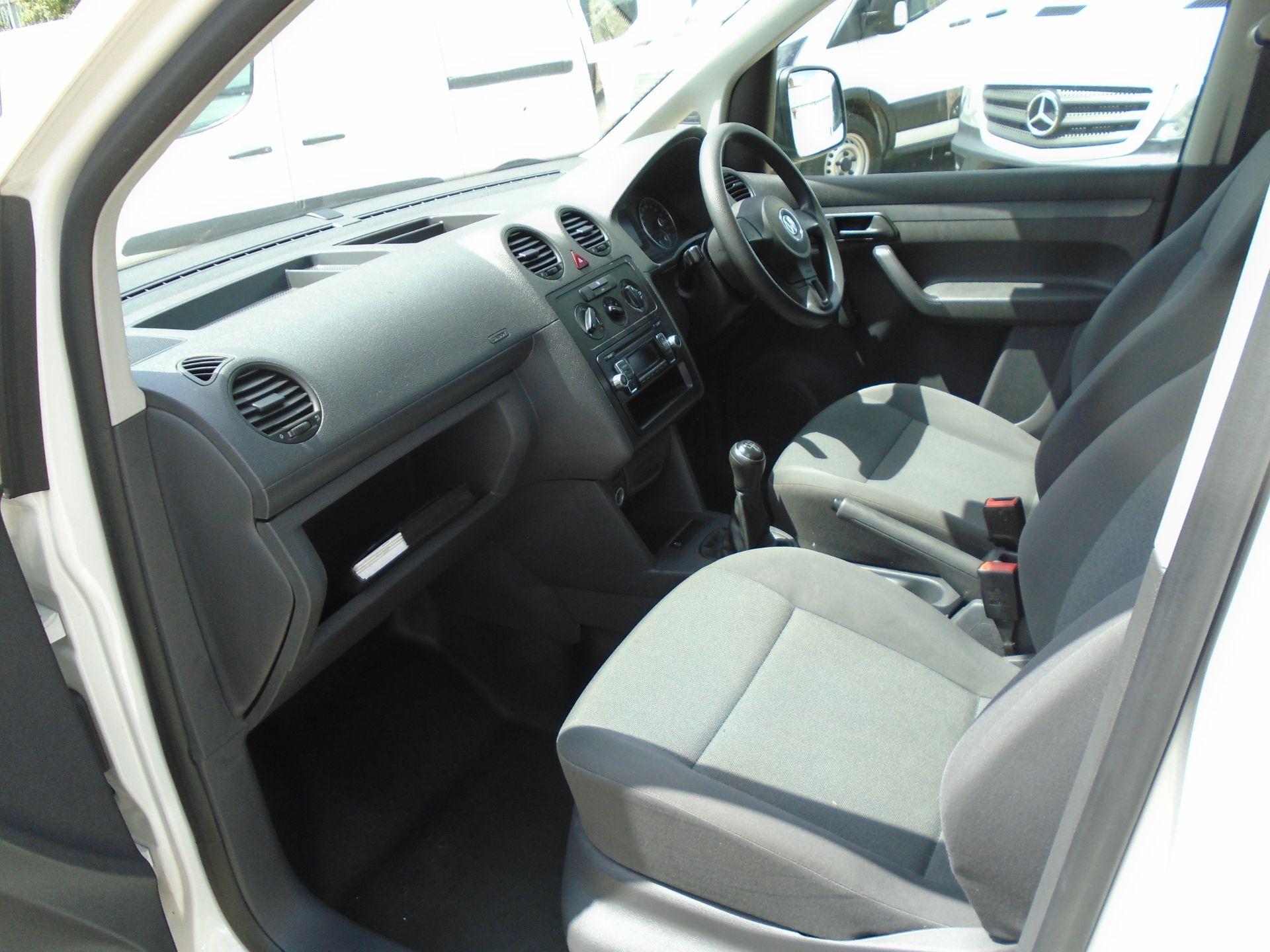 2015 Volkswagen Caddy 1.6 Tdi 75Ps Startline Van (GF64WZD) Image 18