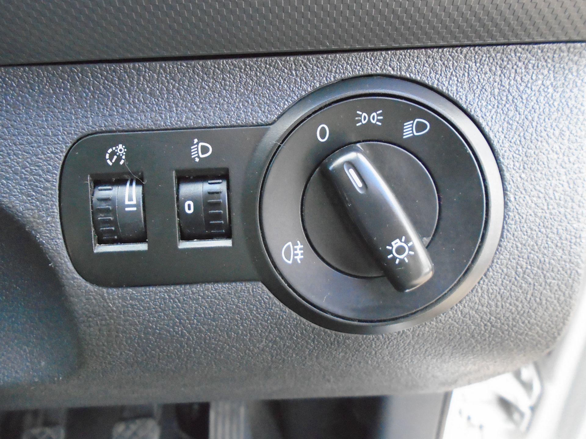 2015 Volkswagen Caddy 1.6 Tdi 75Ps Startline Van (GF64WZD) Image 27