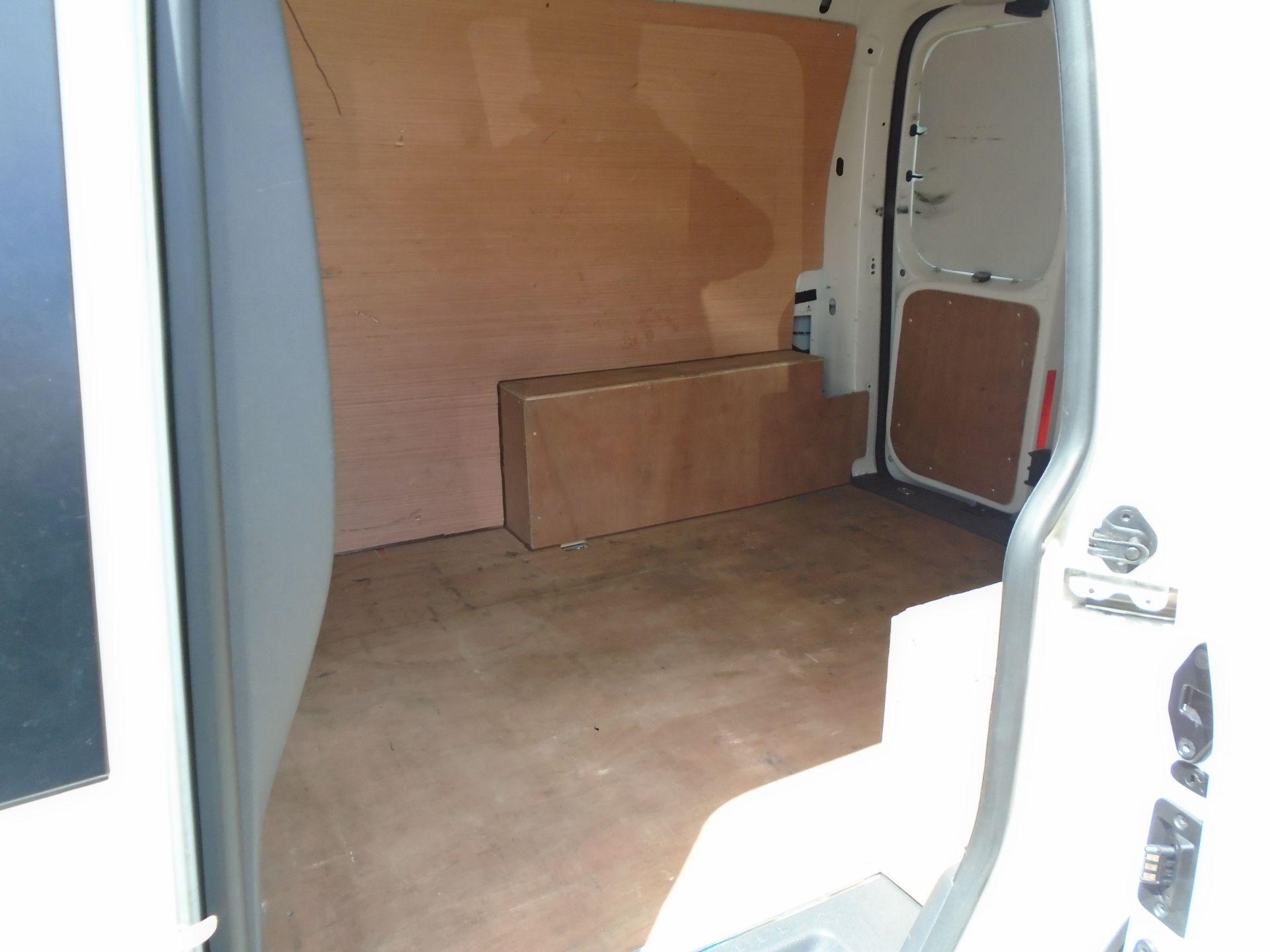 2015 Volkswagen Caddy 1.6 Tdi 75Ps Startline Van (GF64WZD) Image 9