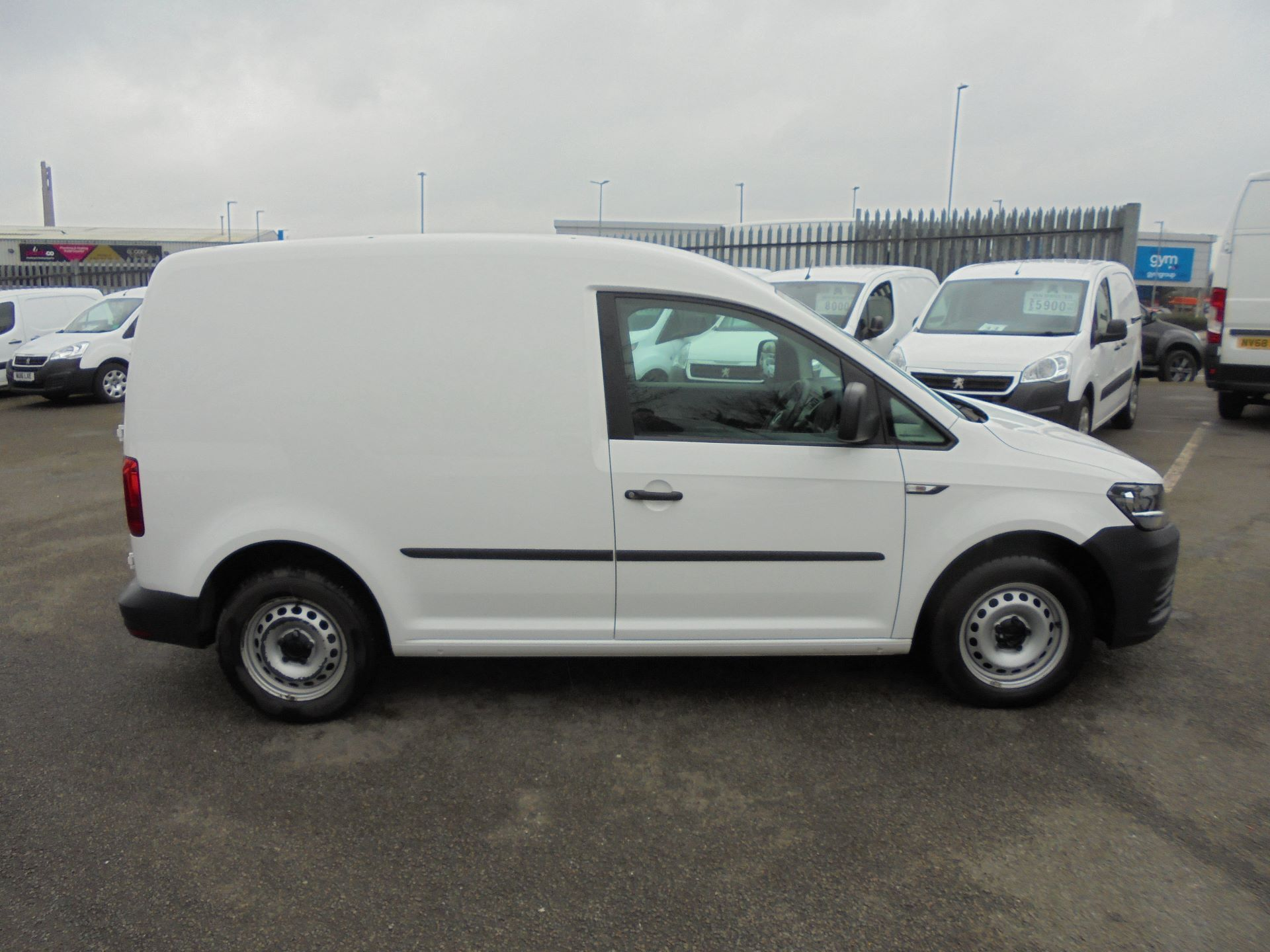 2016 Volkswagen Caddy 1.6 Tdi 102Ps Van (GF66THU) Thumbnail 4