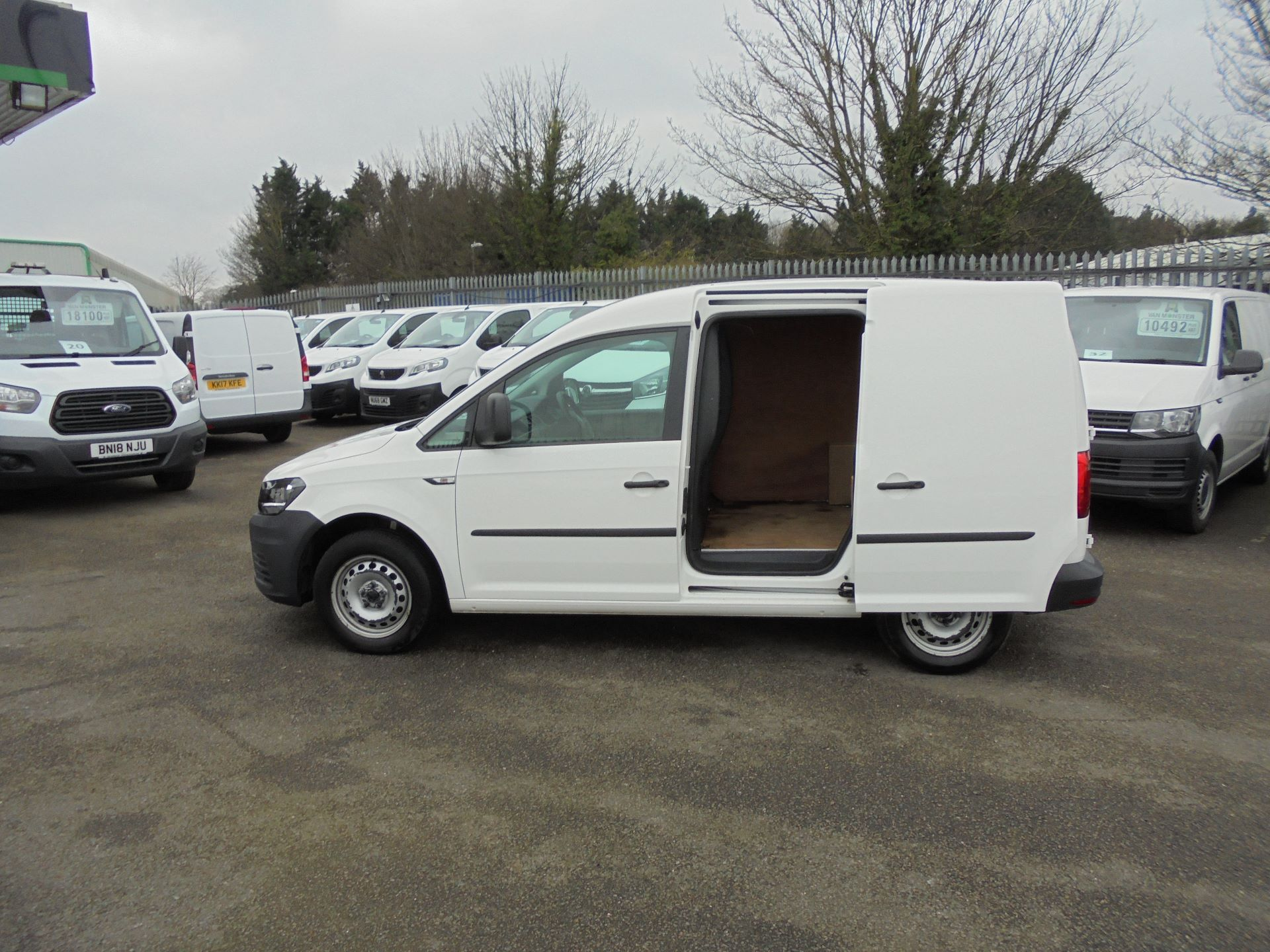 2016 Volkswagen Caddy 1.6 Tdi 102Ps Van (GF66THU) Thumbnail 13