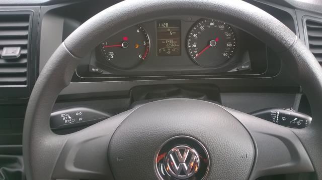 2016 Volkswagen Transporter T28 SWB DIESEL 2.0 TDI BMT 84 STARTLINE VAN EURO 5 (GJ16HMZ) Image 23
