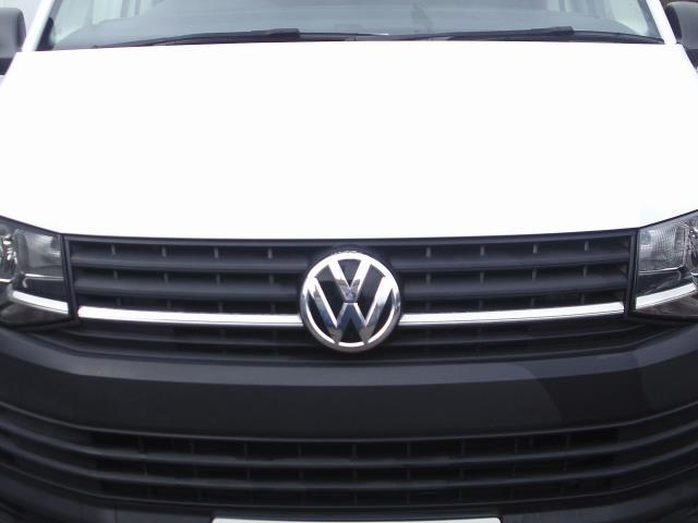 2016 Volkswagen Transporter T28 SWB DIESEL 2.0 TDI BMT 102 STARTLINE VAN EURO 6 (GJ66JMO) Image 12