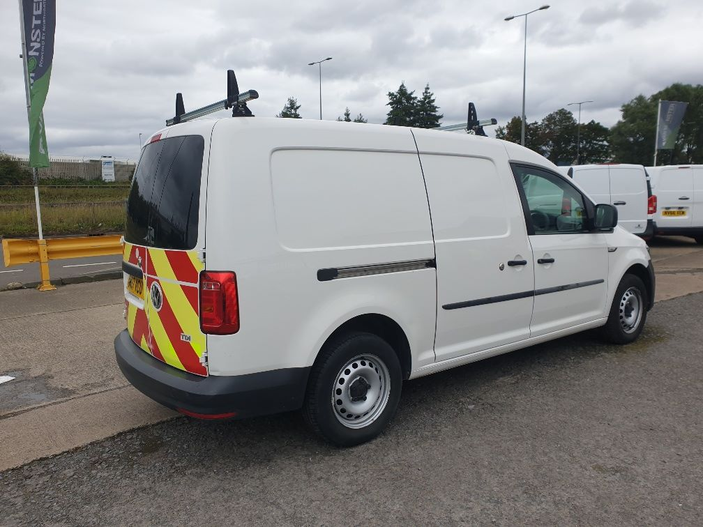 2017 Volkswagen Caddy Maxi 2.0 TDI BLUEMOTION TECH 102PS STARTLINE EURO 6 *SPEED RESTRICTED TO 70MPH* (GK17VCU) Image 12